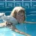 P1030954 poes leert zwemmen