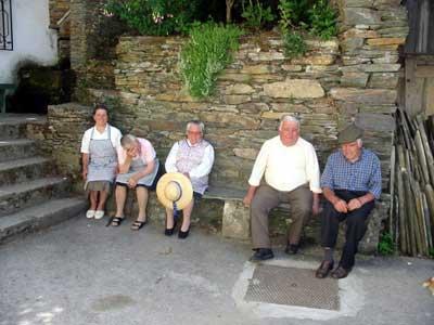 Enkele mensen uit het dorp.
