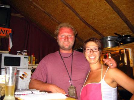 Jeff en Laura in de bar van de camping in 2009.