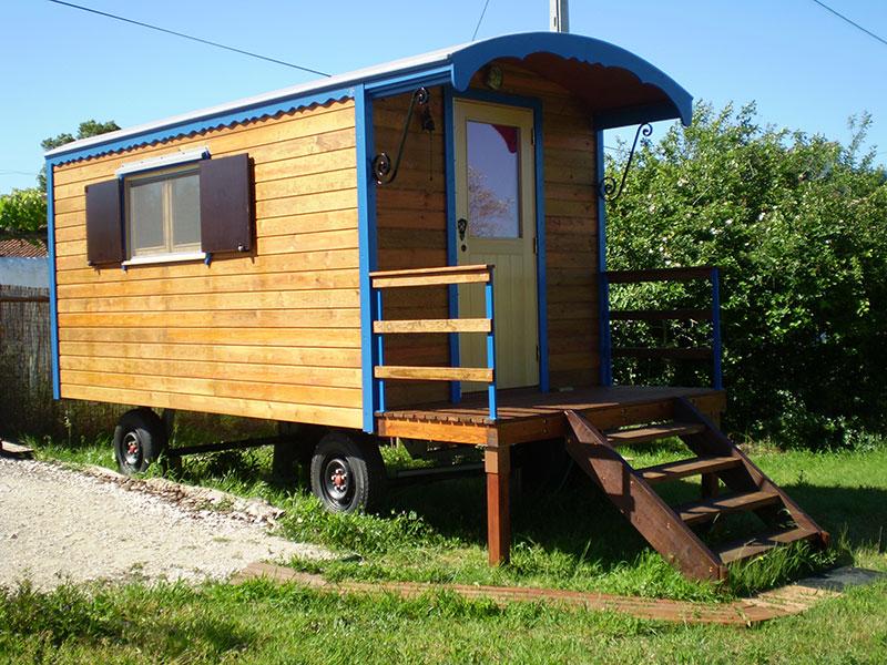 handgemaakte houten woonwagen