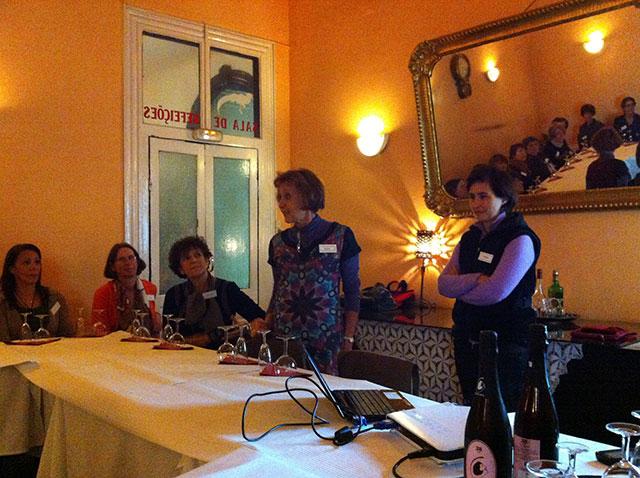 Filipa Pato houdt een prsentatie over haar wijnen