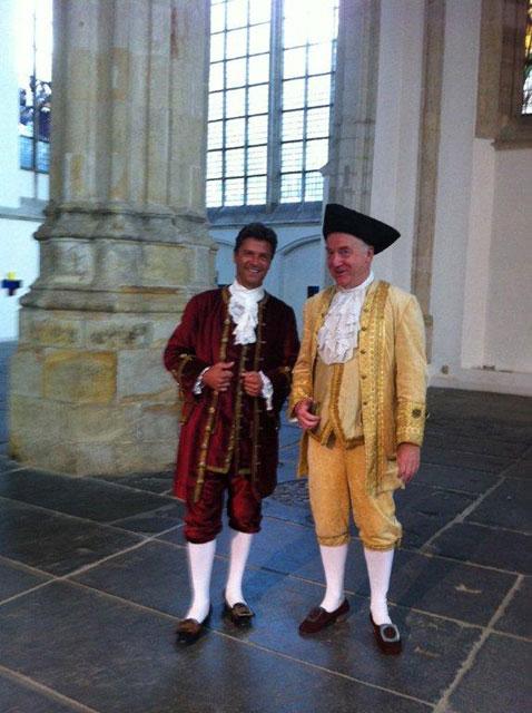 Luís en Cees in de Oude Kerk Amsterdam
