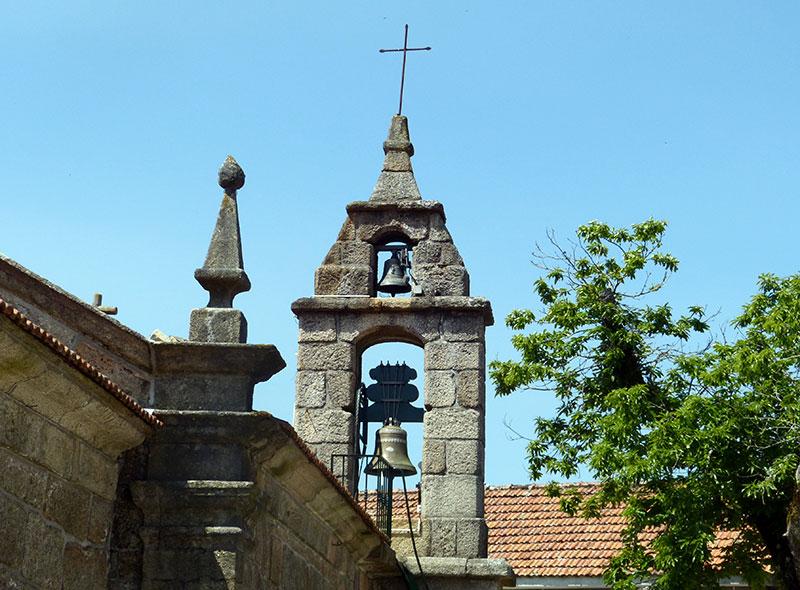 Romaanse kerk in het oude gedeelte van Lamas de Mouro.