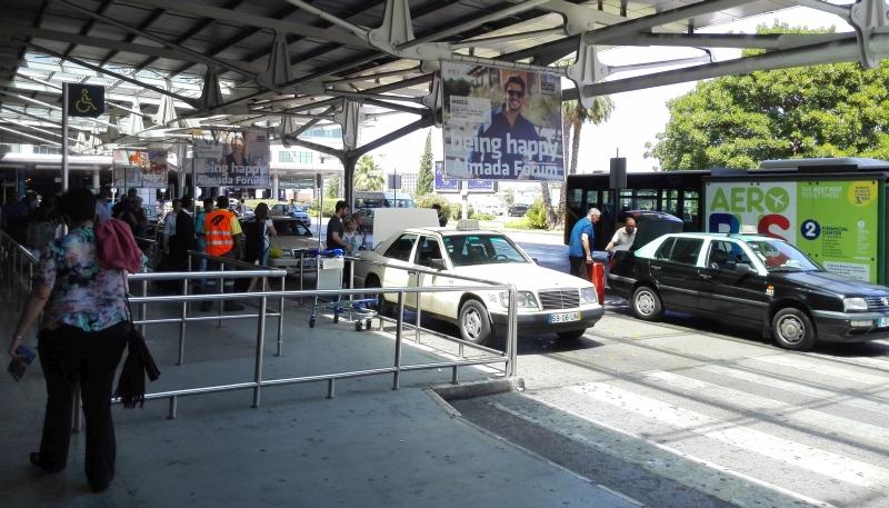 Taxistandplaats aankomsthal