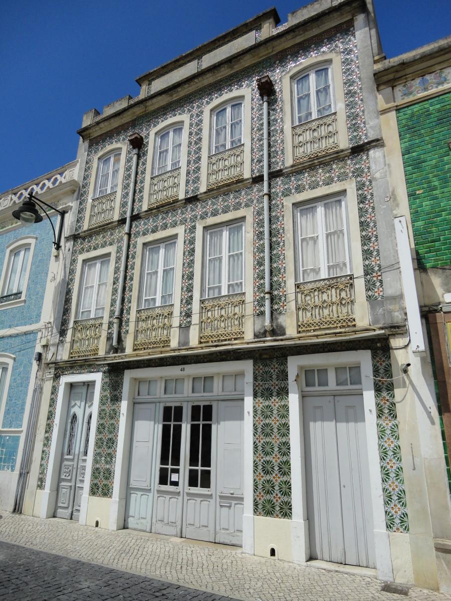 Huis bekleed met Bordallo Pinheiro