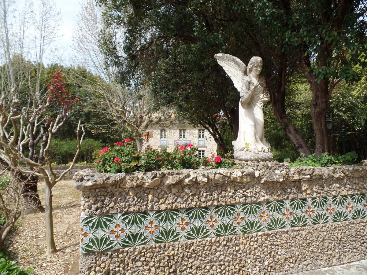 Museu da Cerâmica. De tuin is kosteloos toegankelijk