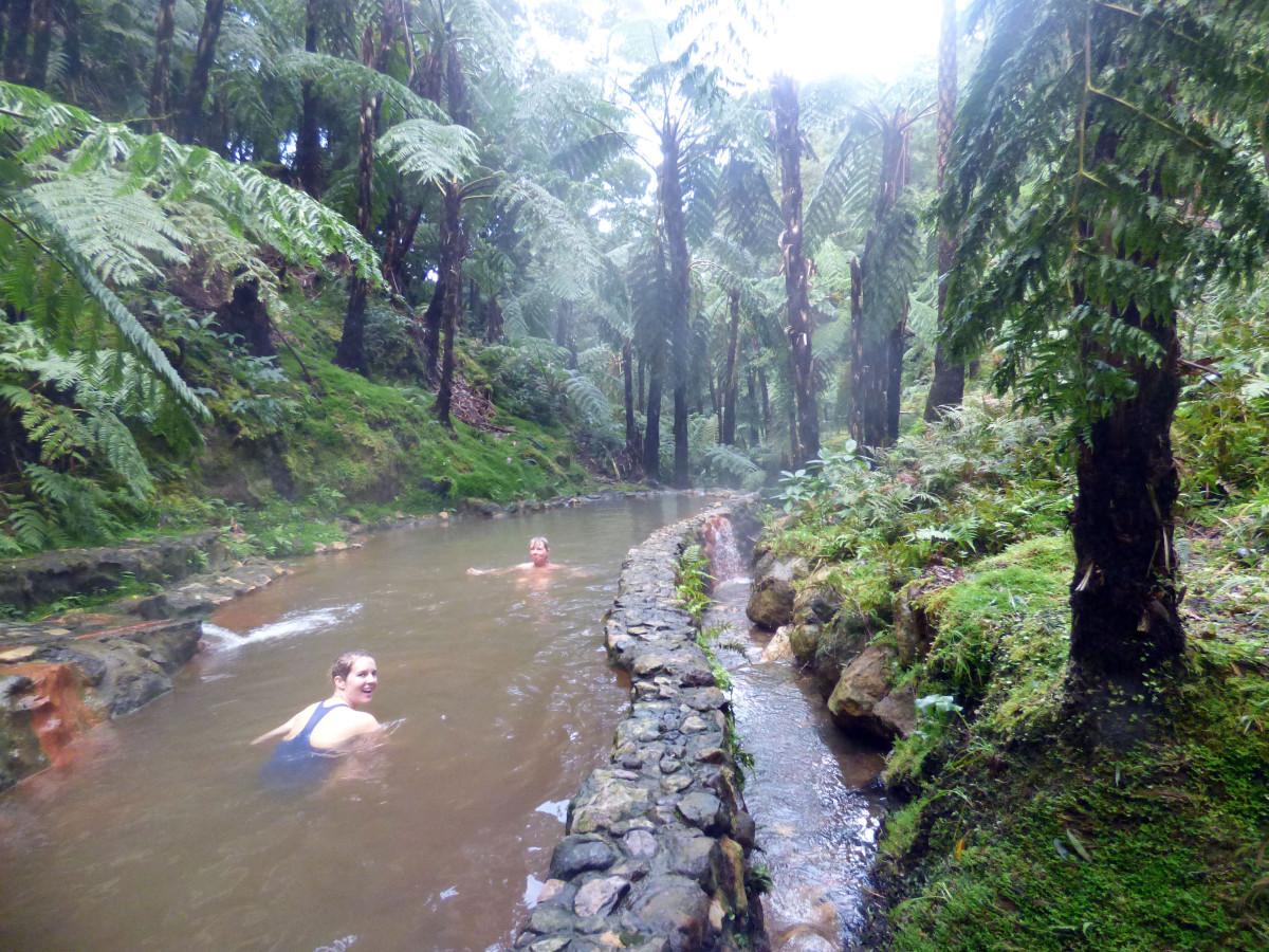 Zwemmen in water van 35 graden.