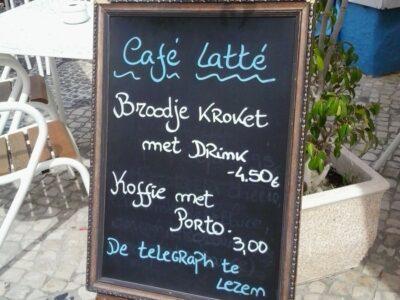 Reclamebord in Portugal met teksten in het Nederlands