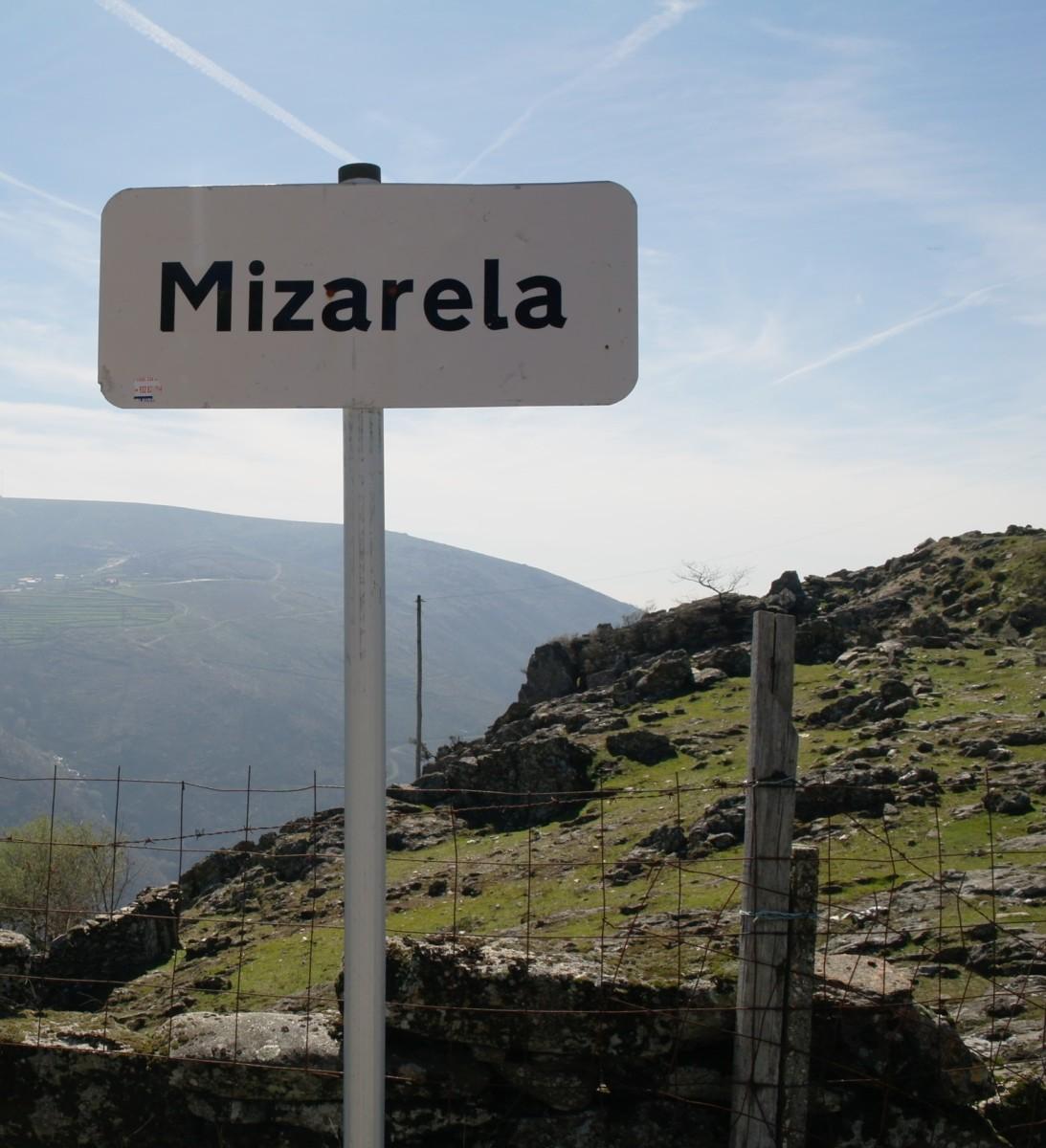Plaatsnaambord Mizarela