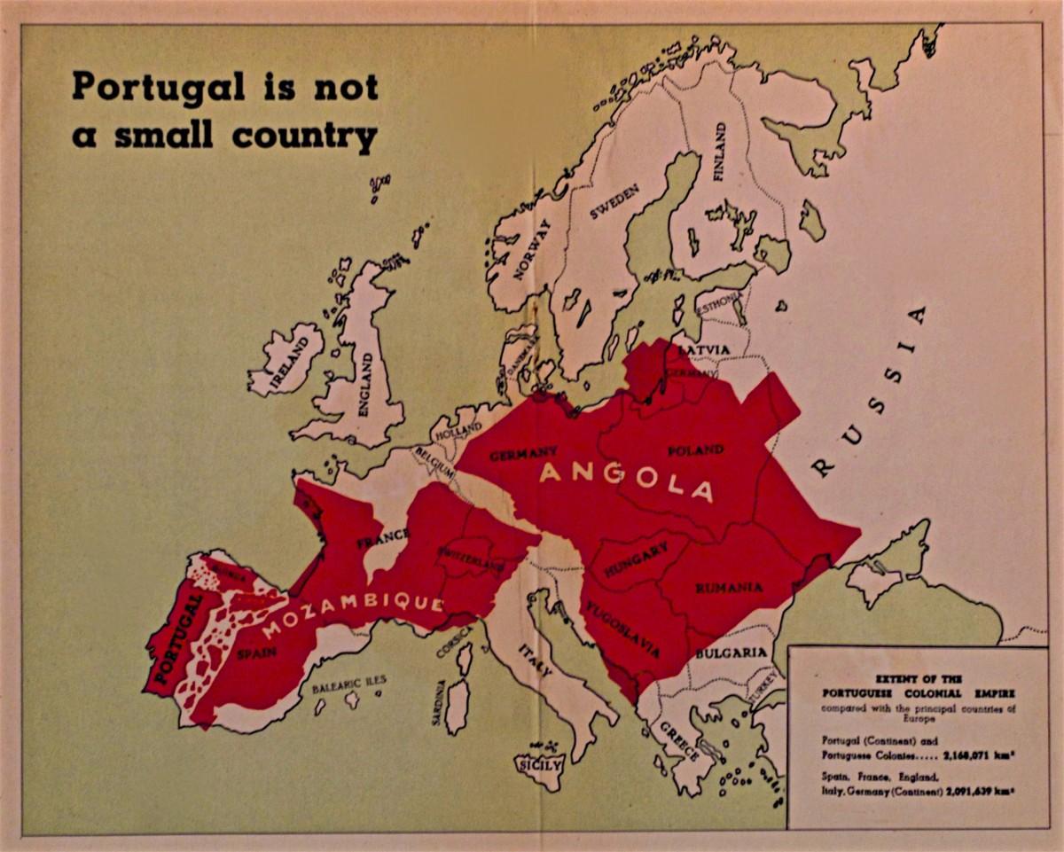 kaart met Portugal en de koloniën geprojecteerd in Europa