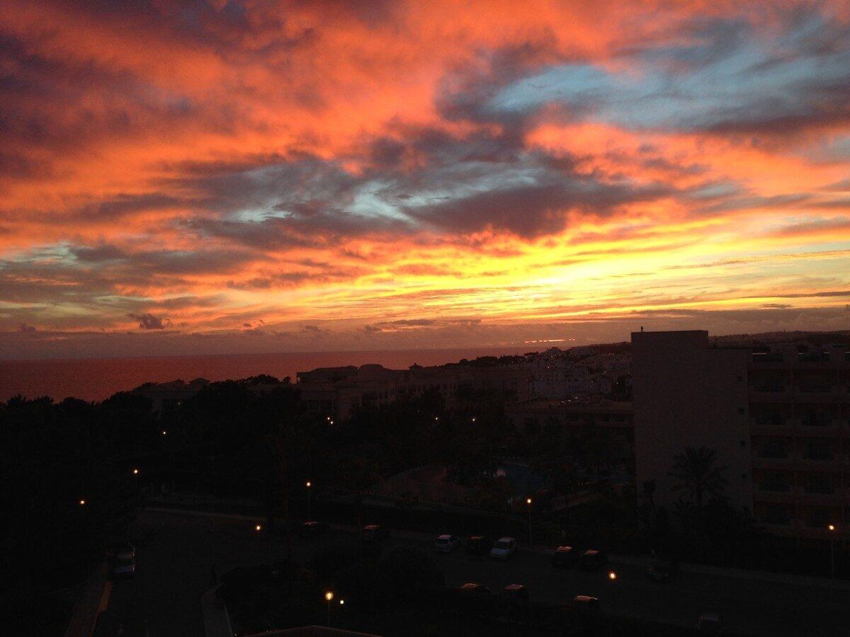 Zomeravondlijke hemelgloed