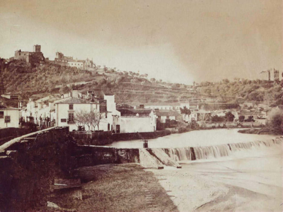 Een zwart-witfoto van Tomar in de 19e eeuw