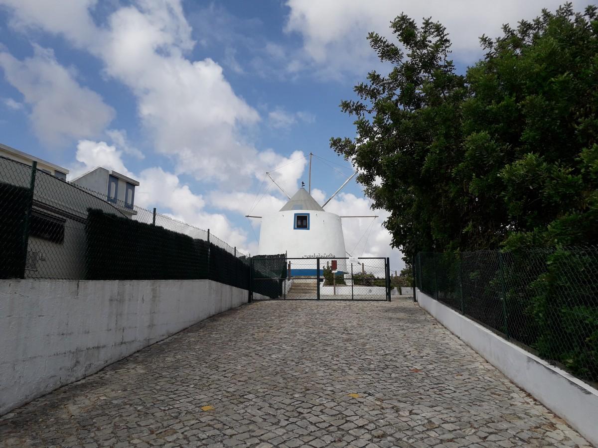 Toegangsweg naar de molen van Paderne, de Moinho do Leitão