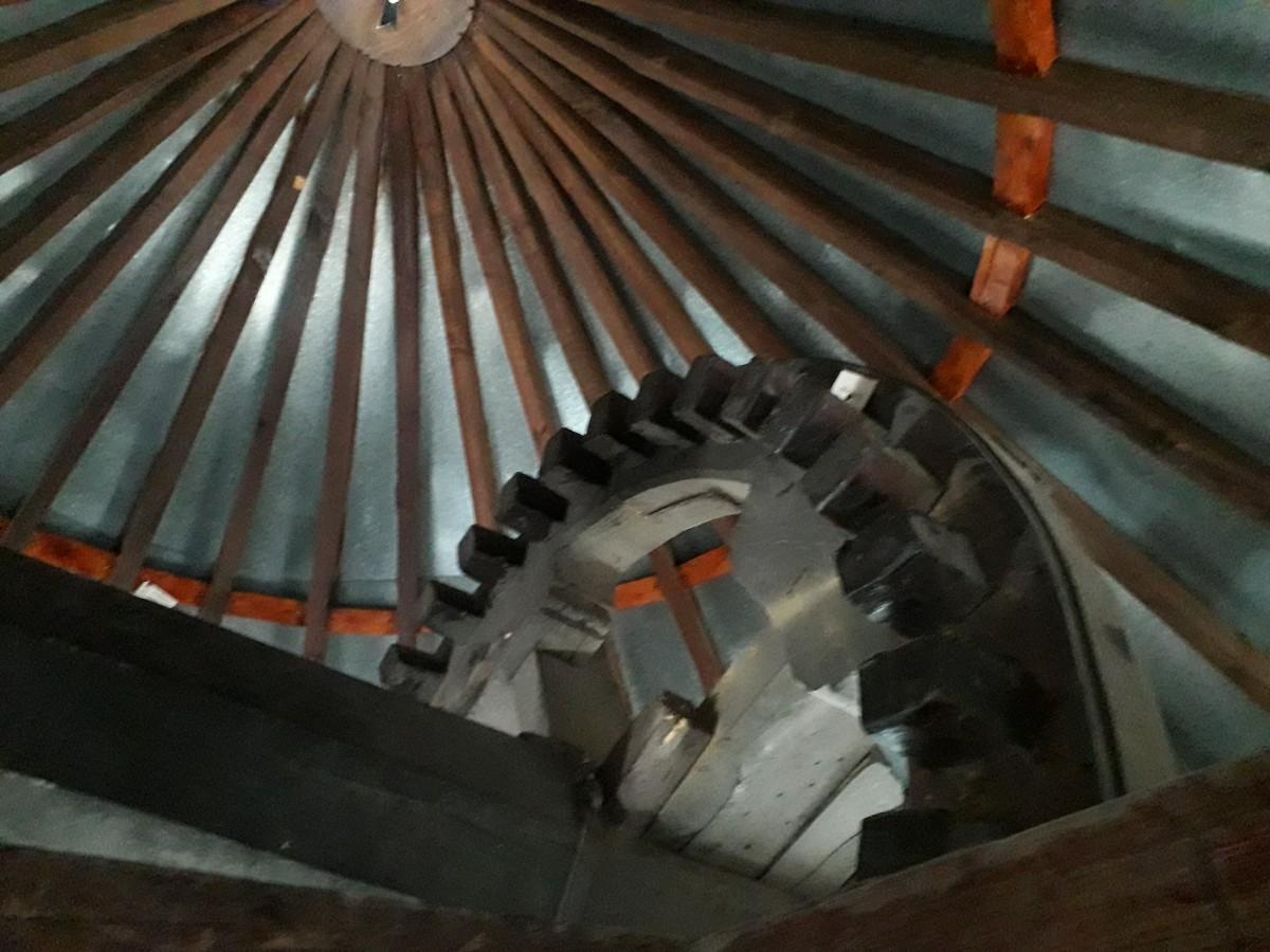 Binnenzijde van het draaibare dak van de Moinho do Leitão