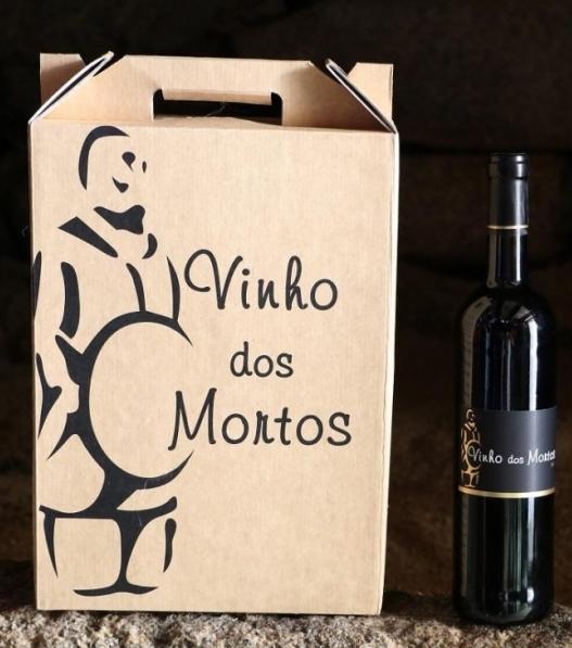 Verpakking met 3 flessen Vinho dos Mortos.