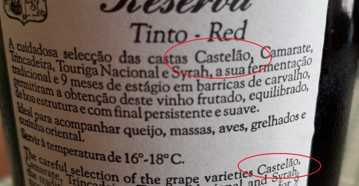 Etiket van wijnfles met daarop de Castelão aanduiding