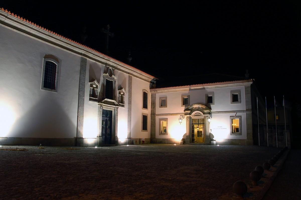 """Foto van hotel Convento do Desagravo in Vila Pouca, het """"Grote Hotel"""" waar Komrij het in het boek steeds over heeft."""