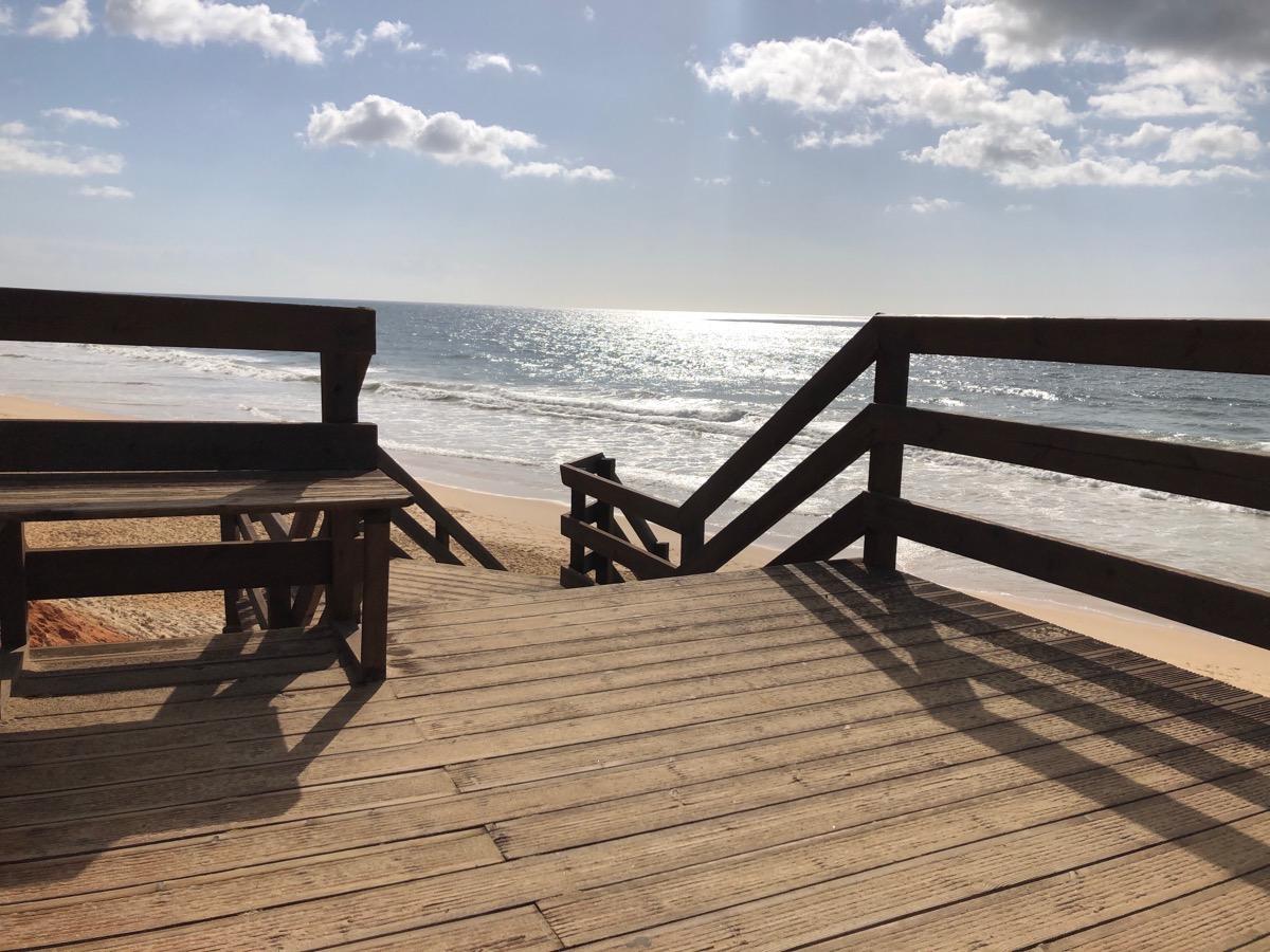 Nieuwe trap naar het strand
