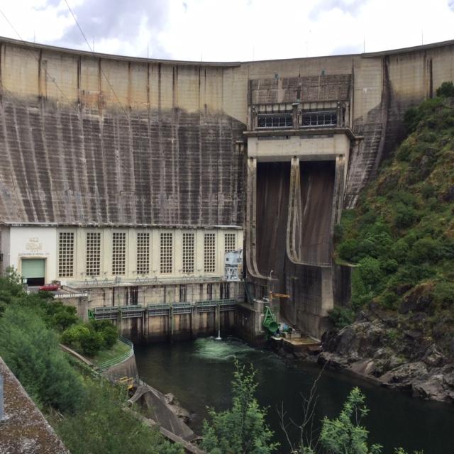 Dam bij Castelo do Bode, waar de Zêzere water levert aan Lissabon