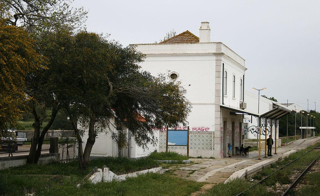 station van Mexilhoeira Grande