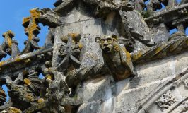 Gebeeldhouwde waterspuwers op het Convento Cristo in Tomar