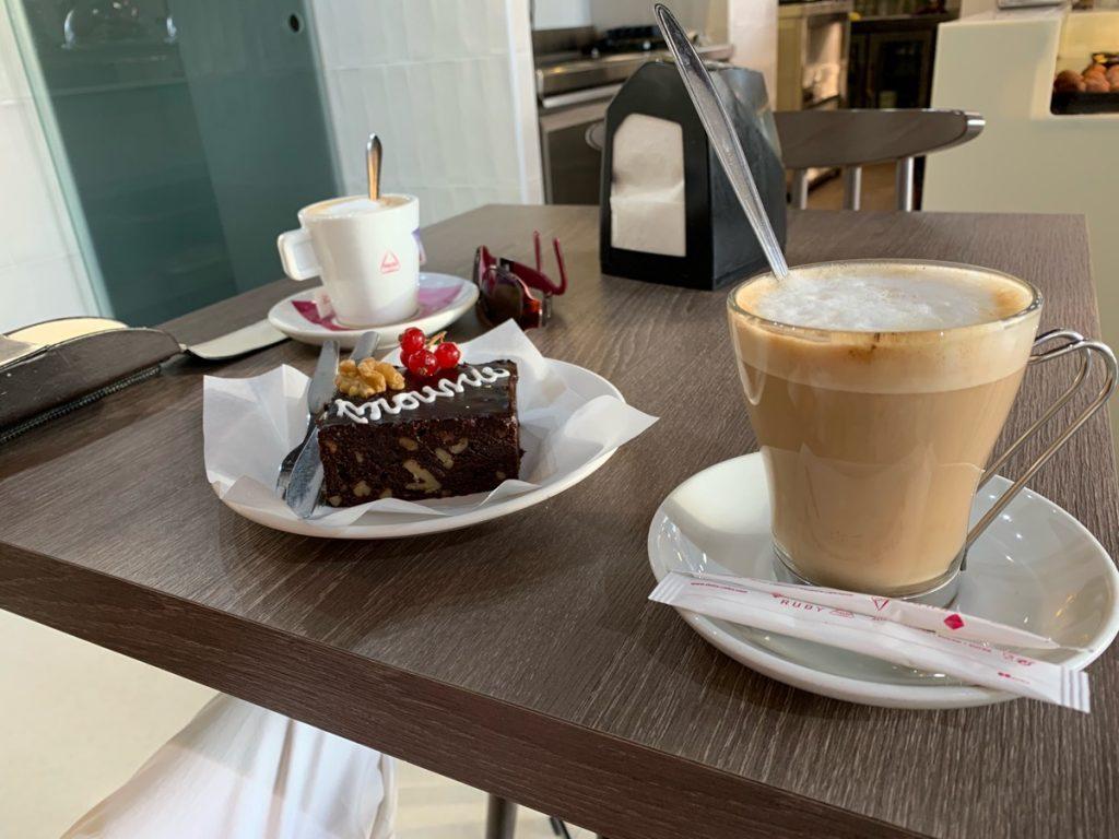 koffie met gebakje