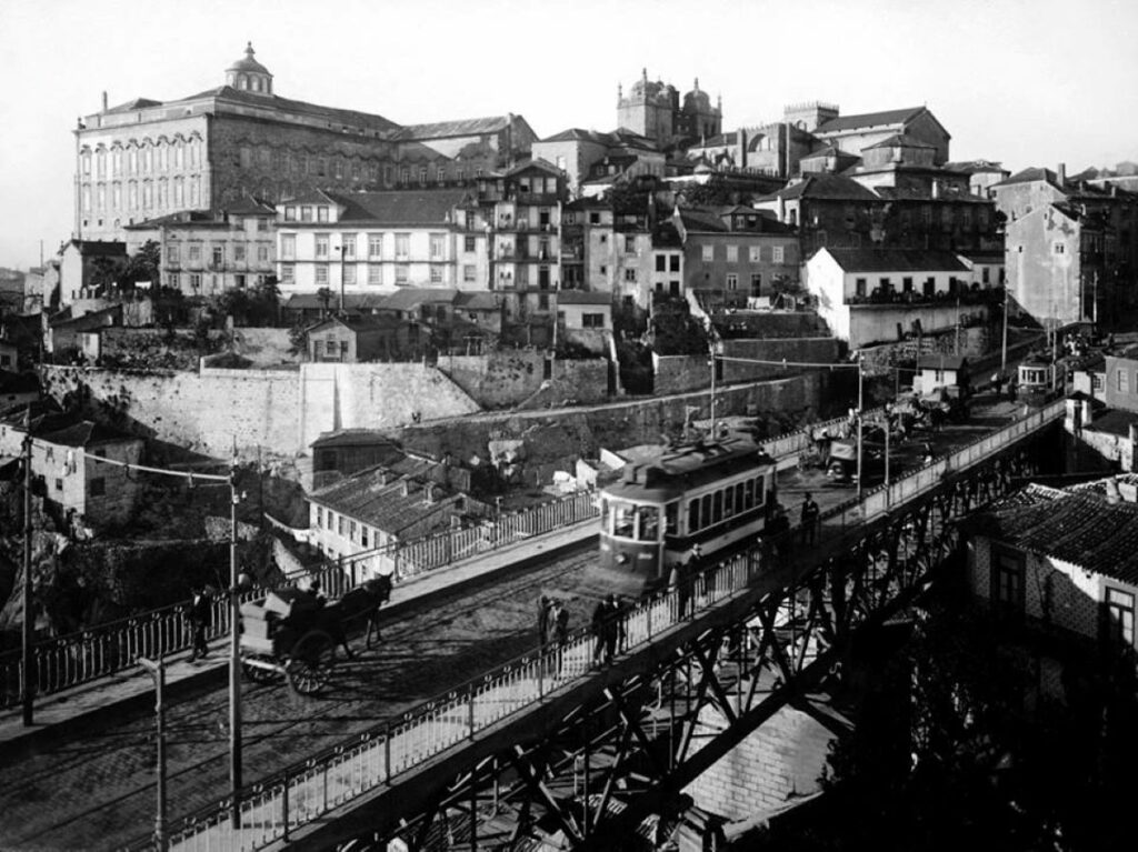 Elecctrico op Ponte Luís I rond 1928